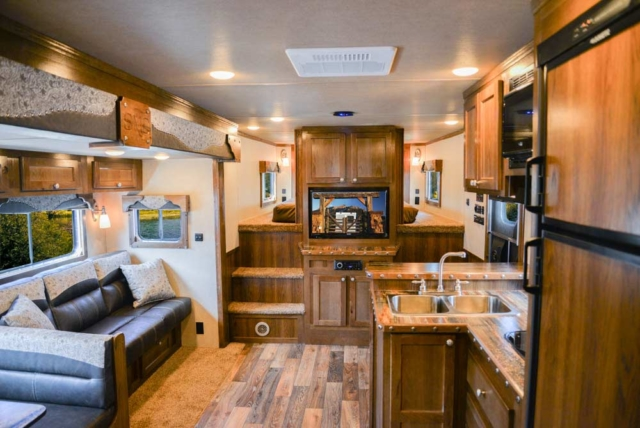 Living Area on a Laramie SL8X18SBBSRB Horse Trailer | SMC Trailers