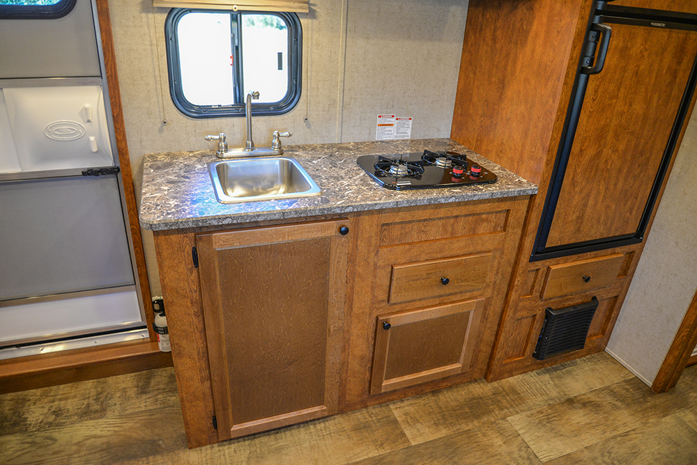 Kitchen in Patriot SP8X13SSR | SMC Trailers