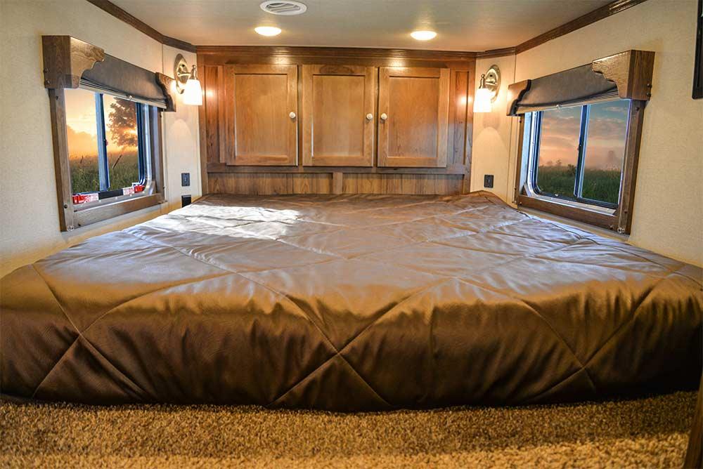 Full Bedding Area in a SLX10RK Laramie Horse Trailers | SMC Trailers