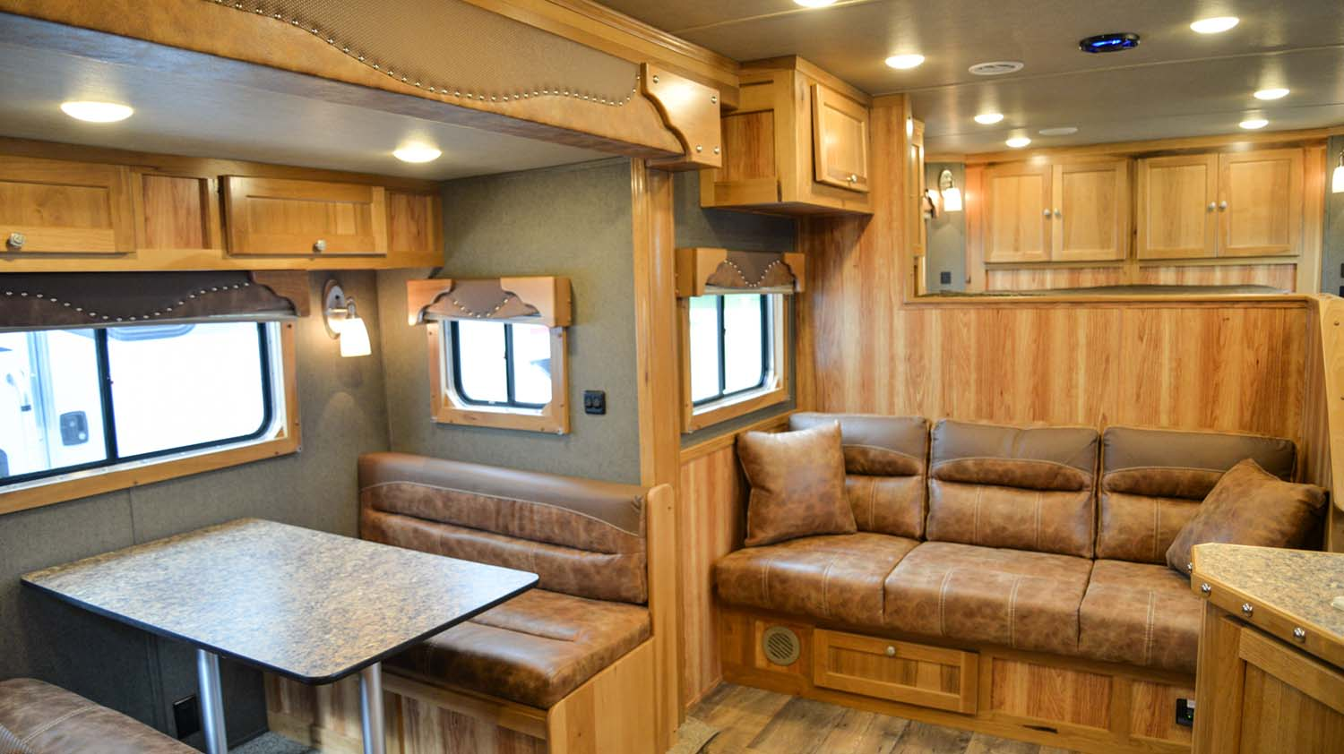 Sofa and Dinette in SLE81613SSRT Livestock Edition | SMC Trailers