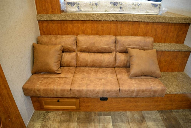 Sofa in Patriot SP8X13SSR | SMC Trailers