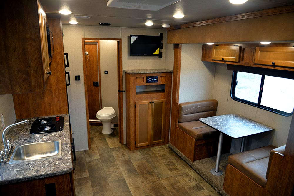 Living Quarters in Patriot SP8X13SSR | SMC Trailers