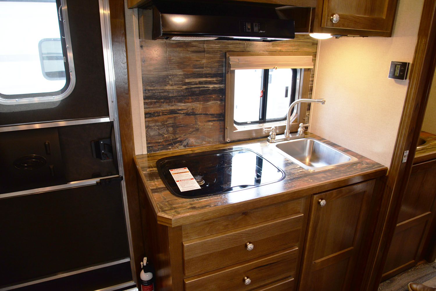 Kitchen in SLX11SRK LARAMIE | SMC TRAILERS