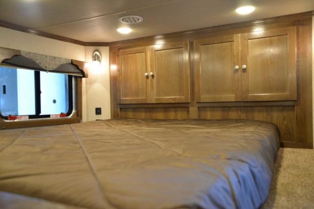 Bedroom in SL8X18SBBSRB | SMC Trailers