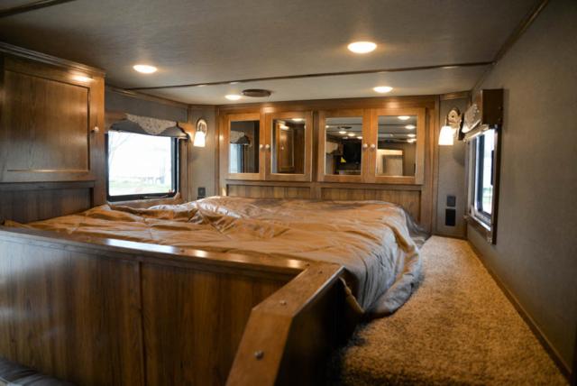 Bed in Gooseneck in SL8X13SSR Laramie Edition Horse Trailer | SMC Trailers
