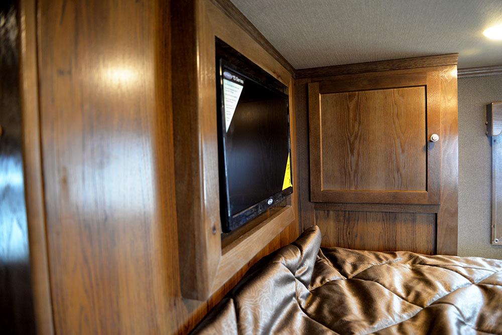 TV in Gooseneck in SLE8X18SBBSRB Laramie Edition Livestock Trailer | SMC Trailers