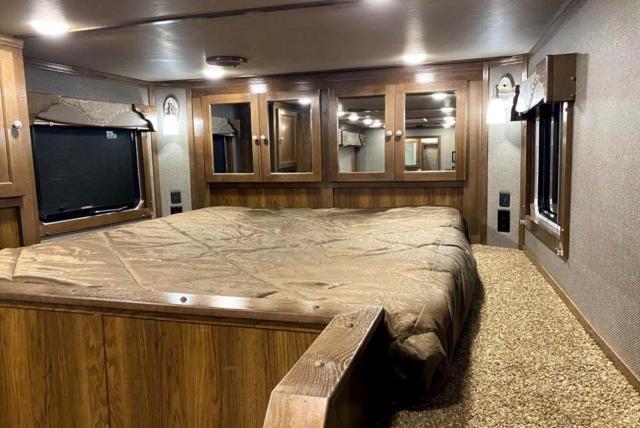 Bed in Gooseneck of SL8X816SSR9U Laramie Edition Horse Trailer | SMC Trailers