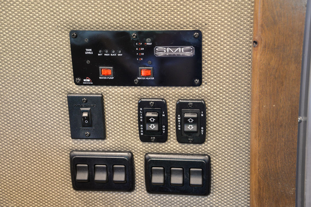 Switches in a SL8X13SSR Laramie Horse Trailers | SMC Trailers