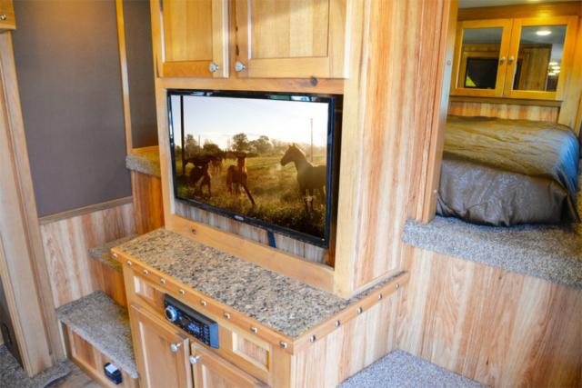 Eckford Chestnut Cowboy Decor Package | SMC Trailers