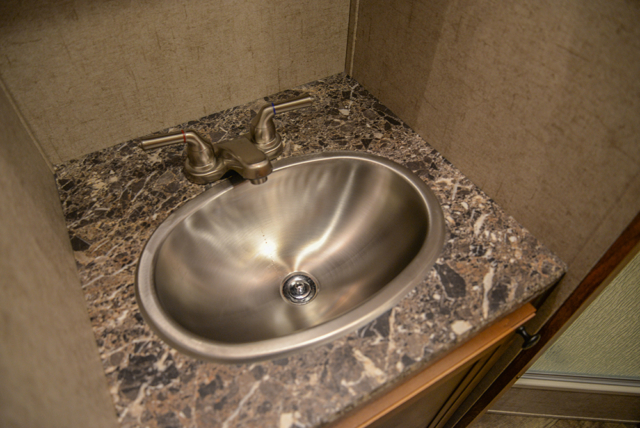 Restroom sink in Patriot SPX7FK | SMC Trailers