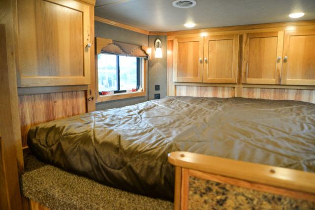 Bedroom in SLE81611SRK Livestock | SMC Trailers