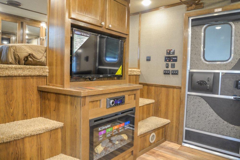 Living Area in a Laramie Livestock SLE8X18SCEB | SMC Trailers
