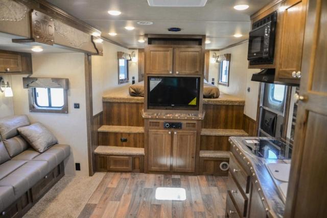Living Area in Laramie Livestock SLE8X15SRKCE | SMC Trailers