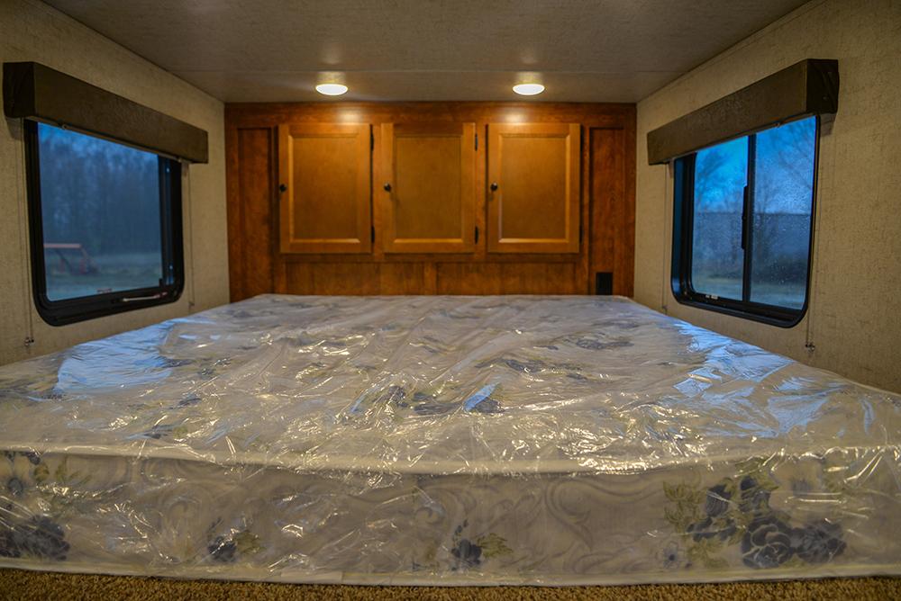Bed in Patriot SPX7FK | SMC Trailers
