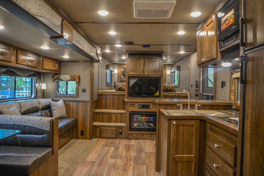 Living Area in Laramie Livestock SLE8X18SCEB | SMC Trailers